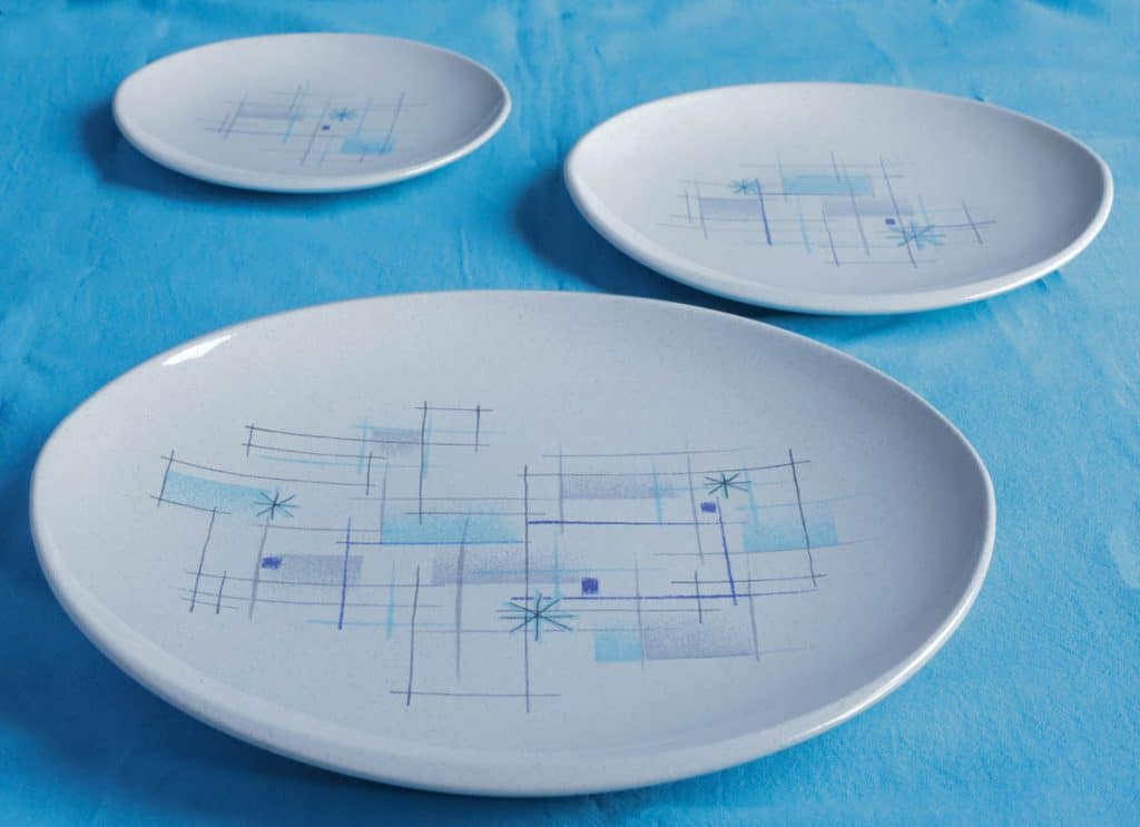 Franciscan Ware Oasis pattern was also fun with beautiful blue pastel shades and cool lines.